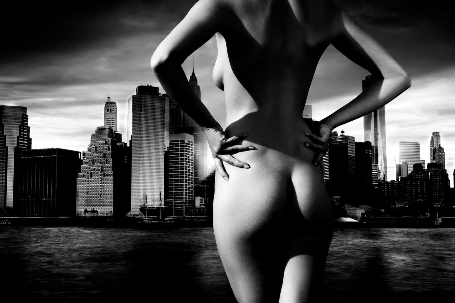 Hübscher Po vor Skyline fotografiert