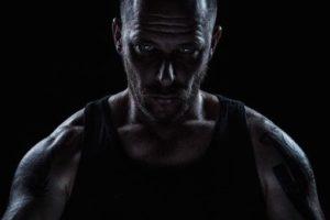 Muskeln durch Licht und Schatten