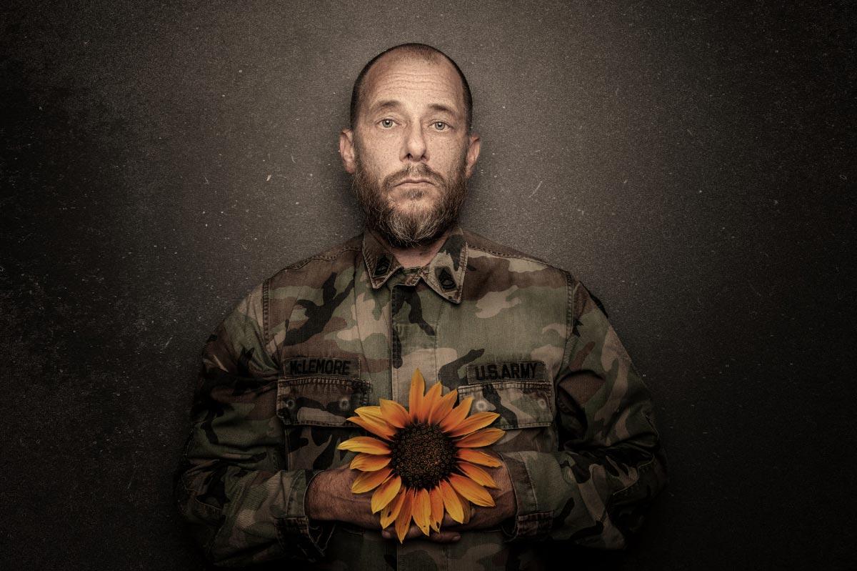 Portrait-Foto mit Sonnenblume